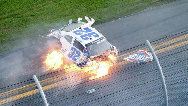 Авария на гонках Nascar в США