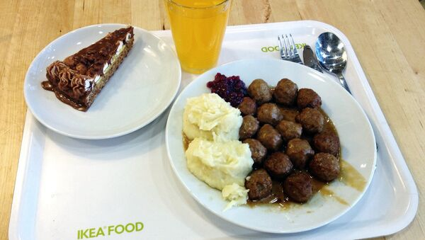Обед в ресторане при сети магазинов IKEA