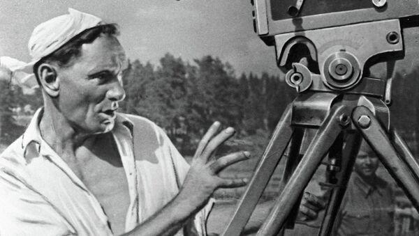 Всеволод Пудовкин во время съемки