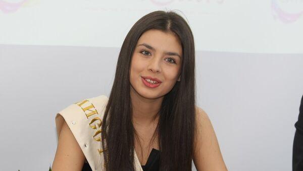 Мисс Россия-2013 Эльмира Абдразакова на пресс-конференции