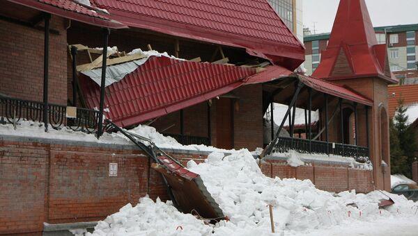 Снег проломил крышу каталического собора в Новосибирске
