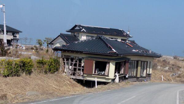 Бывшая зона отселения: два года после цунами некому было разбирать завалы