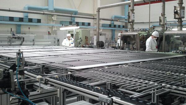 Производство топлива для атомных электростанций на Новосибирском заводе химических концентратов (НЗХК). Архивное фото