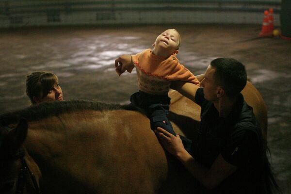Занятия с детьми в детском экологическом центре Живая нить