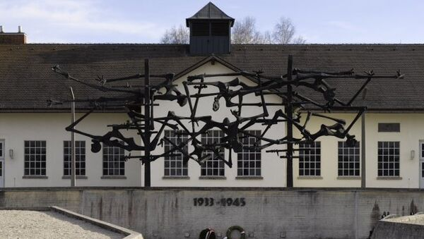 Мемориал в память о жертвах концлагеря Дахау в Германии