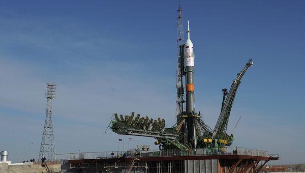 Ракета космического назначения (РКН) Союз-ФГ с пилотируемым кораблем Союз ТМА-08М