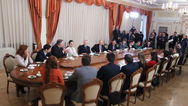 В.Путин на встрече с группой преподавателей и студентов Балтийского федерального университета