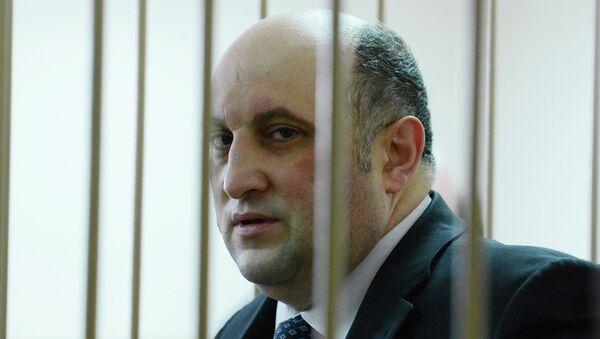 Первый заместитель губернатора Новгородской области Арнольд Шалмуев в Новгородском районном суде