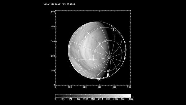 Снимок Венеры в ультрафиолетовом диапазоне, сделанный камерой VMC на борту зонда Венера-Экспресс