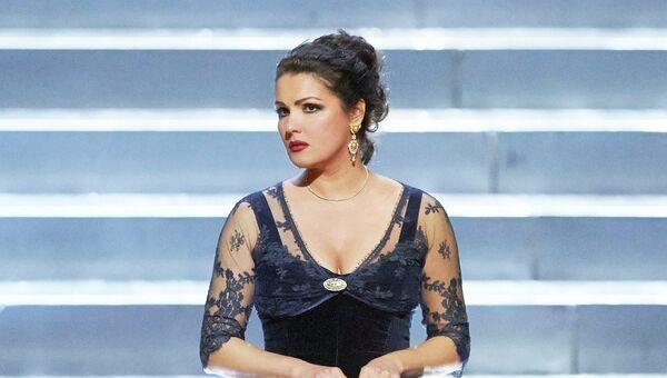 Анна Нетребко в партии Татьяны в опере Евгений Онегин на сцене Венской государственной оперы
