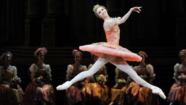 Светлана Захарова в сцене из балета Чайковского Спящая красавица, архивное фото