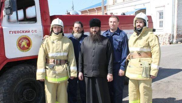 Добровольная пожарная команда при монастыре под Курском