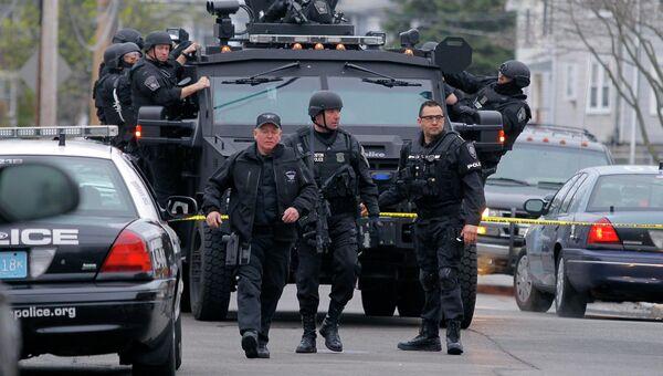 Поиски одного из подозреваемых во взрывах во время бостонского марафона