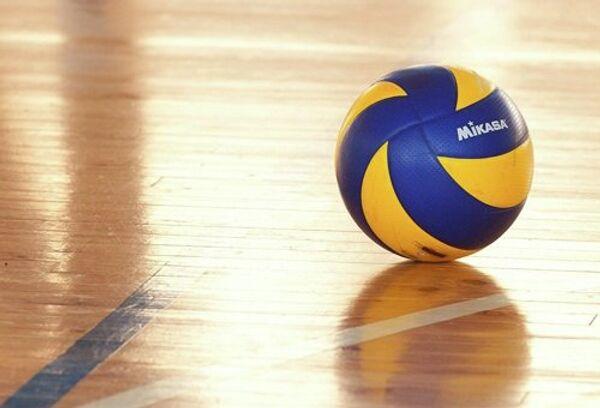 Волейбольный мяч, архивное фото