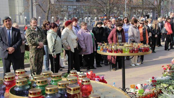 Возложение цветов на месте трагедии в Белгороде