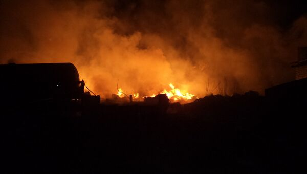 Пожар на месте схода с рельсов цистерн в Ростовской области
