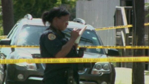 Полицейские оцепили место стрельбы на параде в Новом Орлеане
