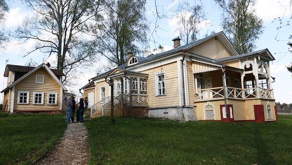 Где живут знаменитости: жилой флигель музея-усадьбы поэта Федора Тютчева