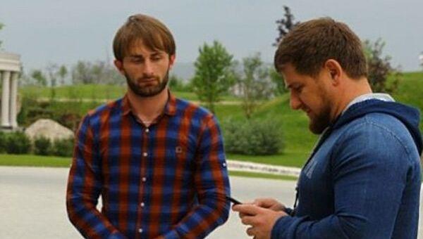Глава Чечни Рамзан Кадыров (справа) и Бекхан Ибрагимов