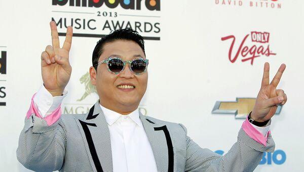 Певец и автор песен PSY на церемонии вручения наград журнала Billboard