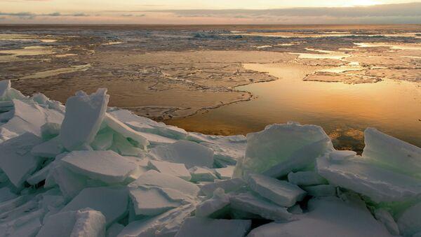 Рассвет на побережье Охотского моря. Архивное фото