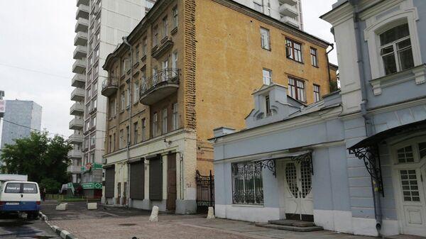 Особняк XIX века на Школьной улице в Москве выставят на торги