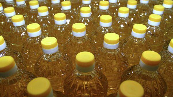 Производство растительного масла. Архивное фото