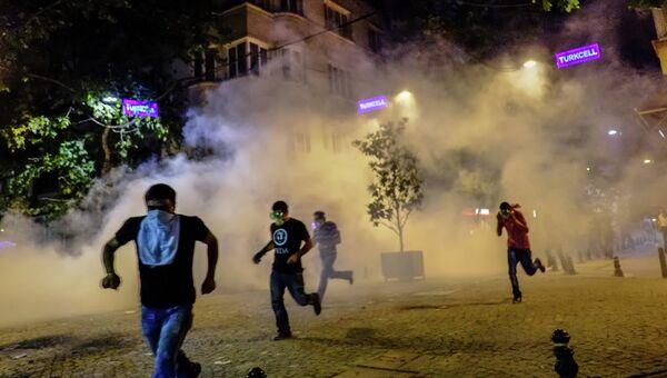 Столкновения протестующих и полиции на площади Таксим в Турции. 2013 год
