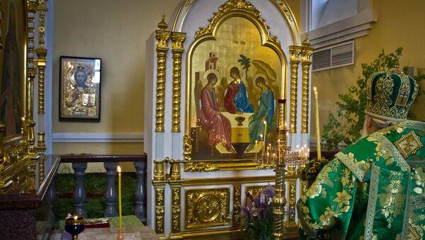 Святая Троица в Приморье - в живом наряде берез и цветов. Архив