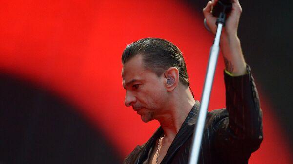 Солист группы Depeche Mode Дэйв Гaан