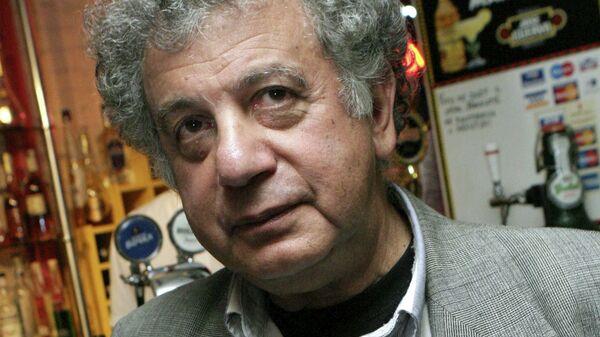 Писатель и сценарист Александр Курляндский