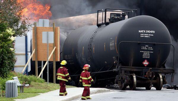 Крушение товарного поезда в Канаде