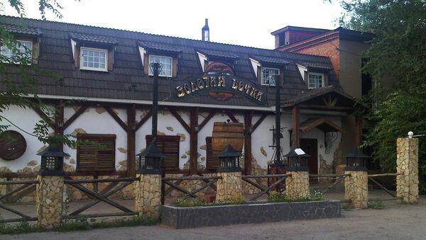 Кафе Золотая бочка, около которого был убит Руслан Маржанов, 10 июля