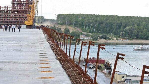 Строительство третьего моста через Обь в Новосибирске, фото из архива