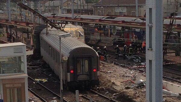 Во Франции произошло крушение поезда. Архив
