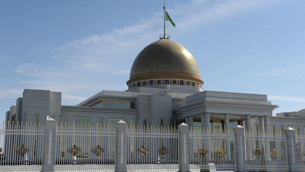 Президентский дворец Огузхан в Ашхабаде. Архивное фото