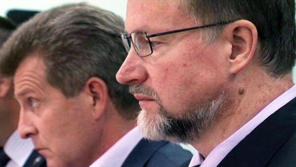 Экс-губернатор Дудка получил 9,5 года колонии за взятку. Кадры из суда