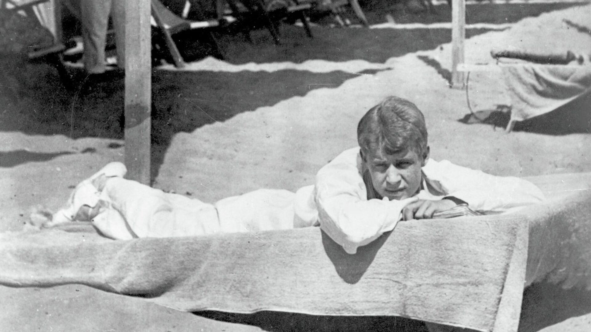Поэт Сергей Есенин в Италии - РИА Новости, 1920, 06.06.2021