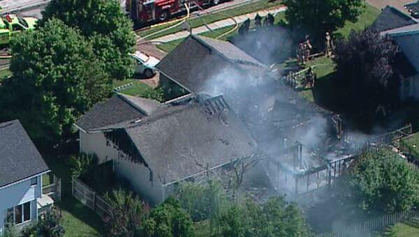 Небольшой самолет упал на жилой дом в американском штате Индиана