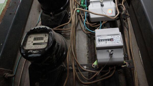 Электрические счетчики, архивное фото