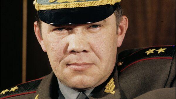 Генерал-лейтенант Александр Лебедь. Архивное фото