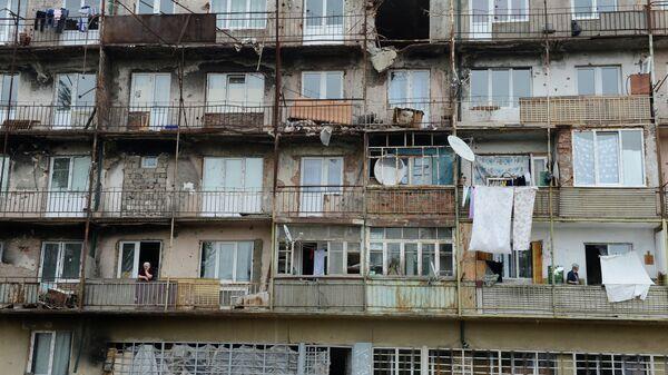 Аварийный пятиэтажный дом в городе Цхинвал