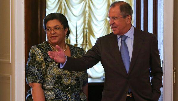 Министр иностранных дел России Сергей Лавров с министром иностранных дел Ганы Ханной Тетте