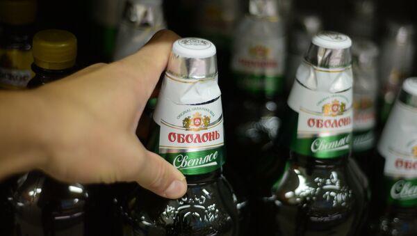 Пиво Оболонь крупнейшего украинского производителя. Архивное фото