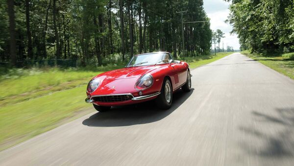 Автомобиль Ferrari 275 GTB/4 NART Spider