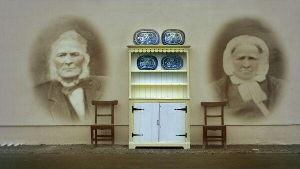 Кадр из фильма Ирландская народная мебель