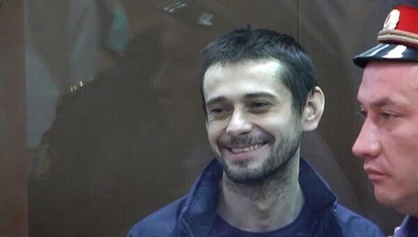 Белгородский стрелок смеялся, кричал и угрожал всем на оглашении приговора