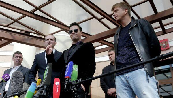 Рассмотрение уголовного дела в отношении певца В.Грачева