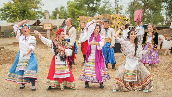 Казачий фестиваль Легенды Тамани прошел в Кубанской Атамани. Архивное фото