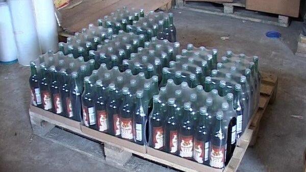 Изъятие контрафактного алкоголя из подпольного цеха на Ропшинском шоссе в Петербурге